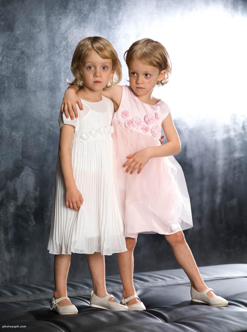 Ein Gutschein für Kinderfotos vom Fotostudio Yaph in Trier ist ein tolles Geschenk für die ganze Familie
