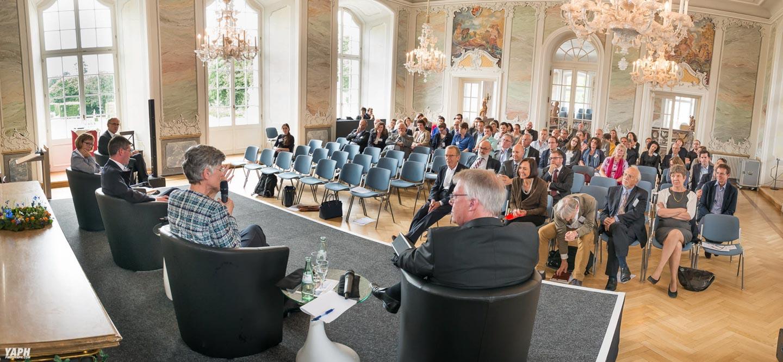 Das Fotostudio Yaph in Trier ist auch im Bereich Eventfotografie tätig wie hier bei einer Veranstaltung der Universität Trier im Kurfürstlichen Palais