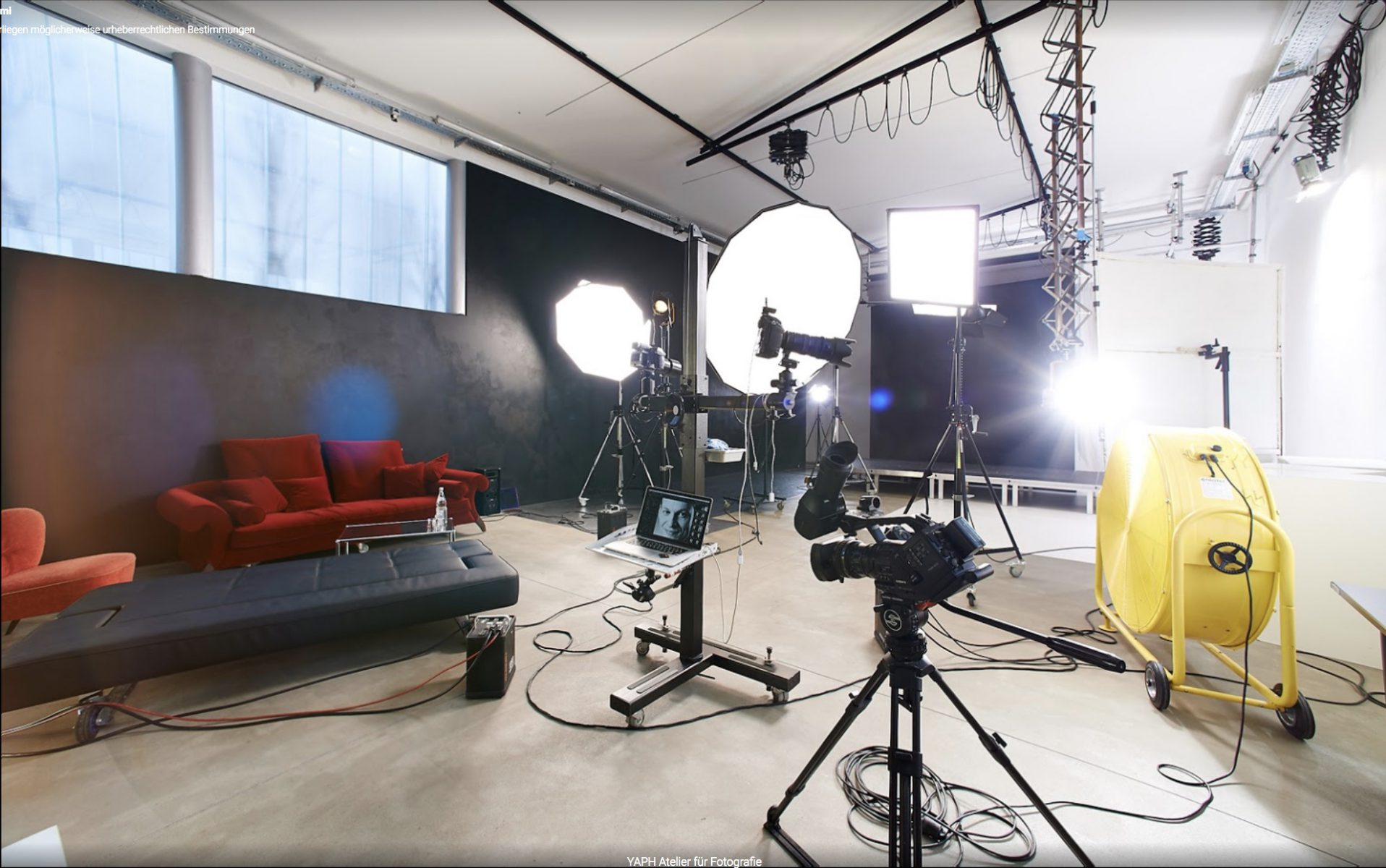 Das Fotostudio Yaph in Trier ist 700 qm groß und technisch auf dem höchsten Niveau.