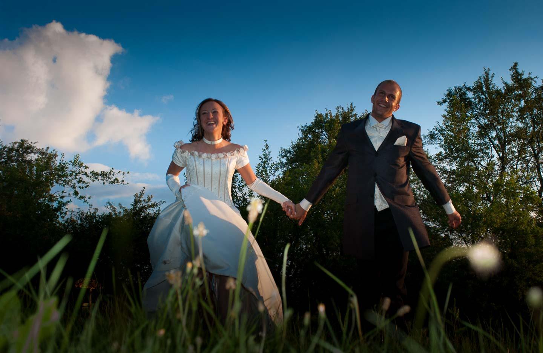Hochzeitsfotos vom Fotostudio Yaph in Trier zeigen ungestellte natürliche Bilder