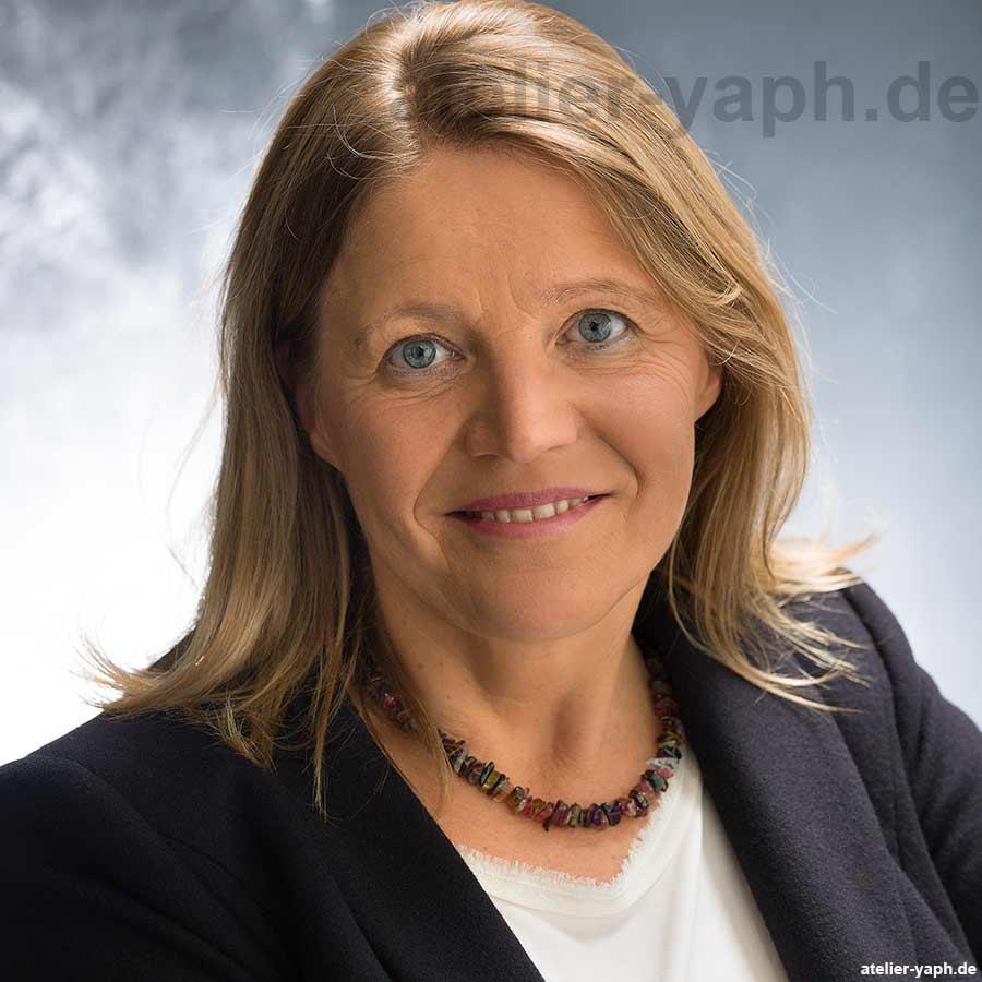 Frau Prof. Dr. Andrea Maurer, Expertin für Wirtschaftssoziologie