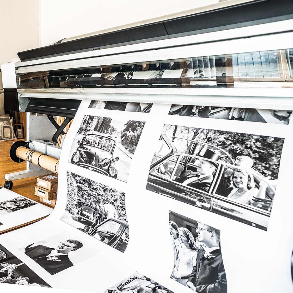 Coffee Table Books werden im Fotostudio Yaph in Trier in Handarbeit hergestellt