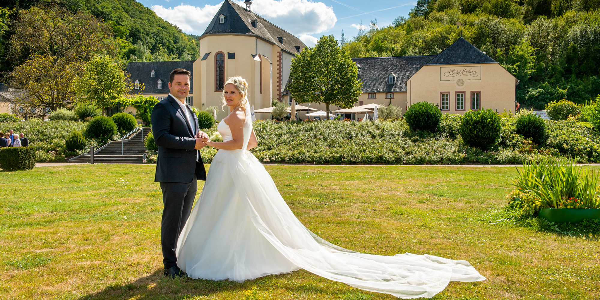 Brautfotos im Kloster Machern vom Fotostudio Yaph in Trier