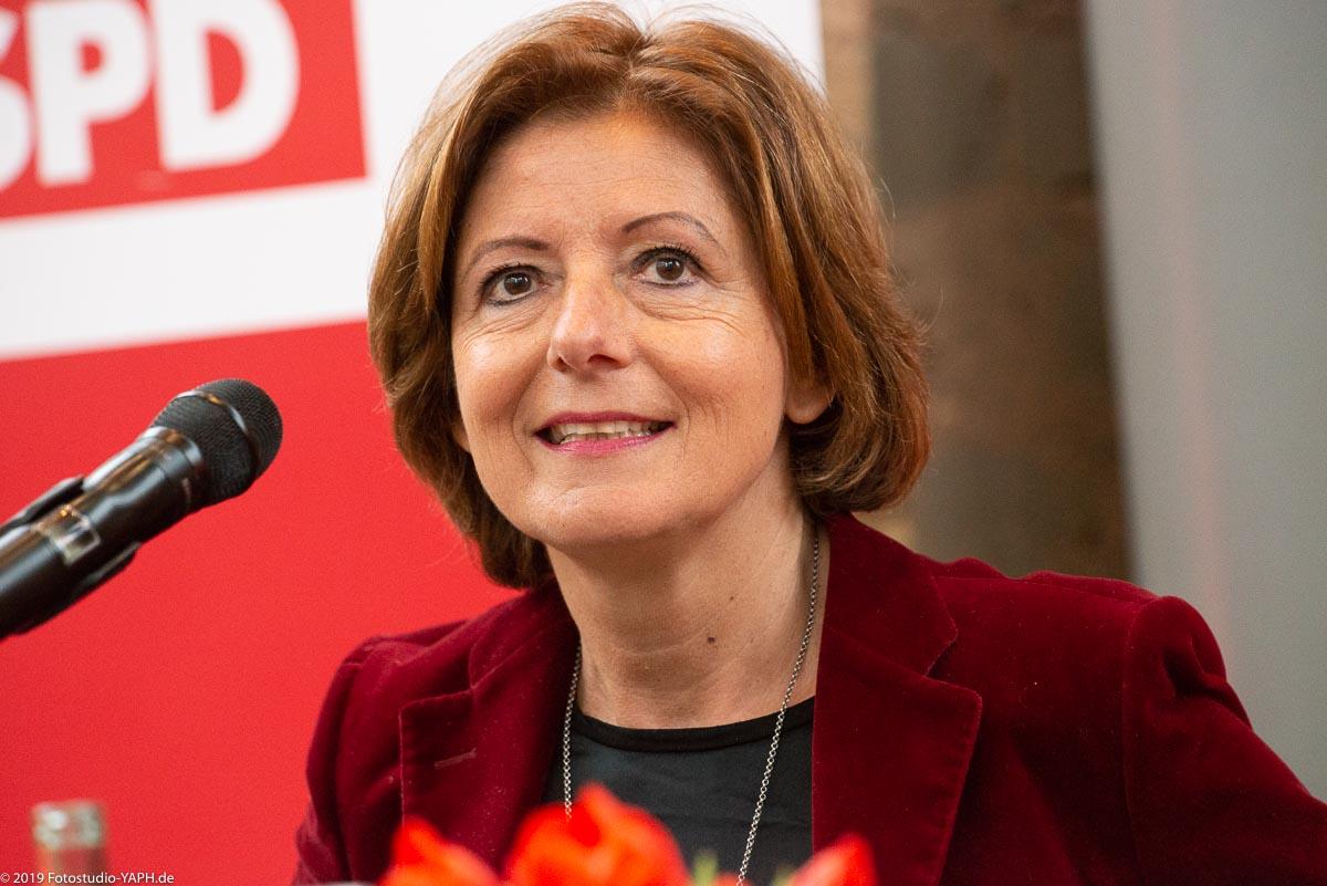 Malu Dreyer, Ministerpräsidentin von Rheinland-Pfalz auf dem Foto vom Fotostudio Yaph Trier