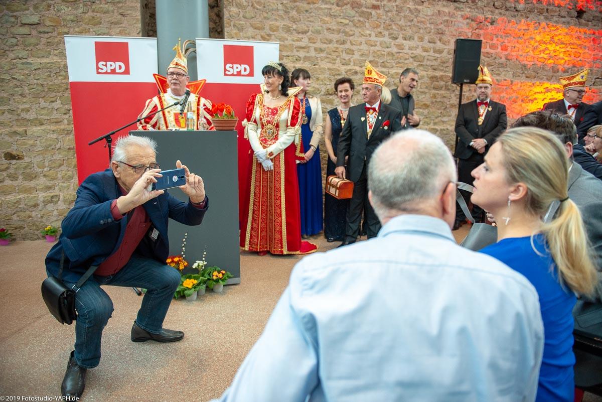 Es herrscht reges Interesse an der Prominenz auf dem Neujahrsempfang der SPD in Trier