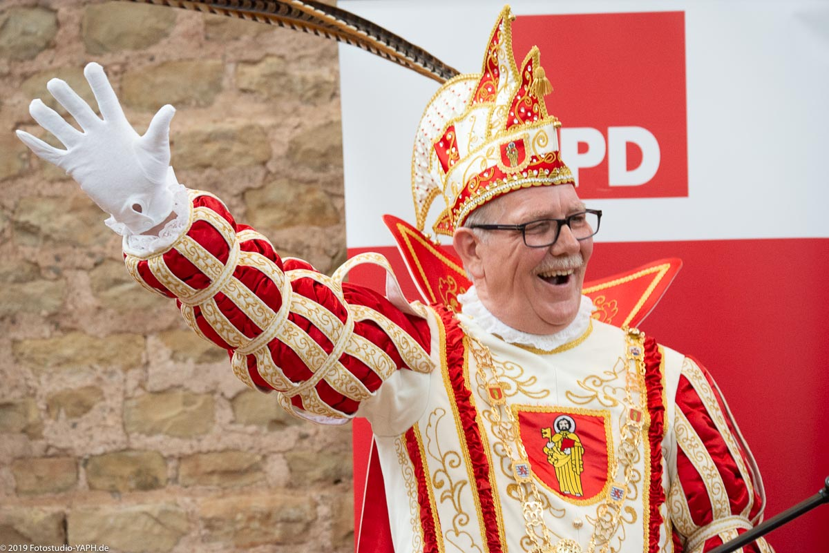 Der Karnevalsprinz Pierrot Klein auf dem Neujahrsempfang 2019 der SPD Trier fotografiert von Fotograf Yaph