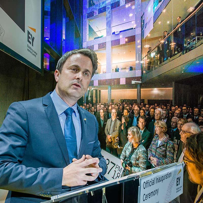 Fotoreportage eines Firmenevents in Luxemburg mit Xavier Bettel als Redner fotografiert von Fotograf Yaph