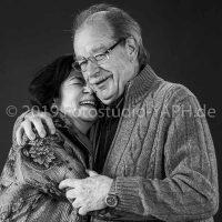 Partner Shooting in Trier bei Yaph - Fotograf wird mit definiert mit wahrhaften Bildern der Liebe.