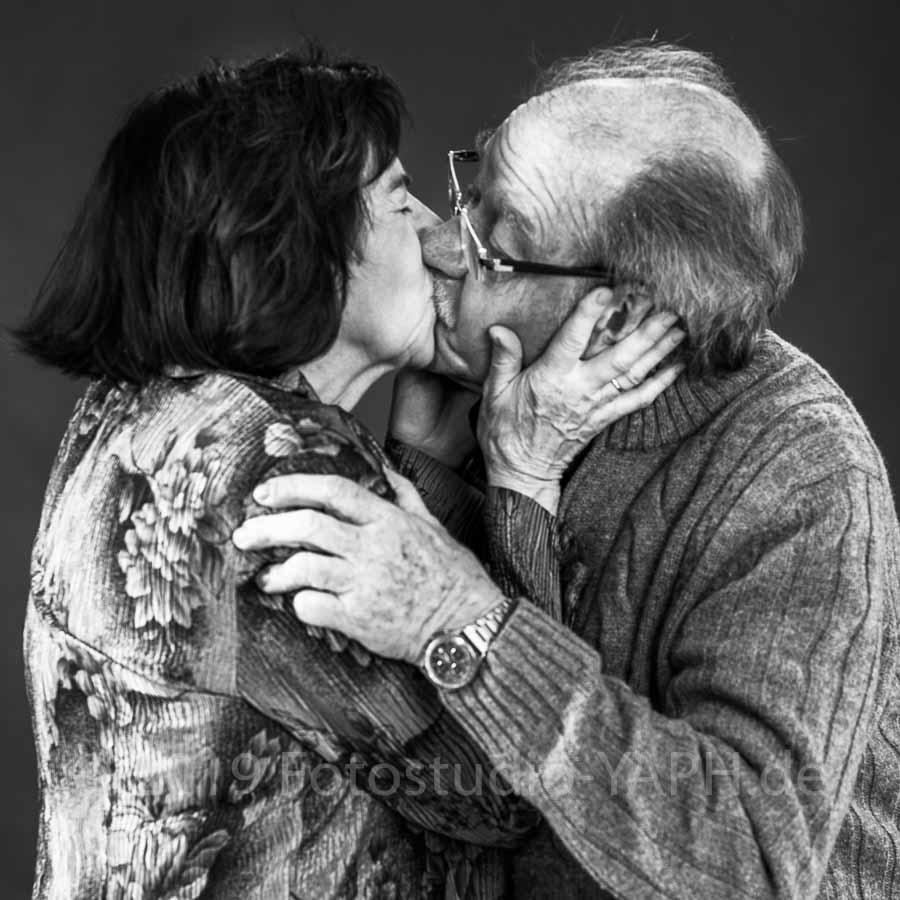Wahre Liebe ist ewig. Fotograf in Trier Yaph hält sie fest.
