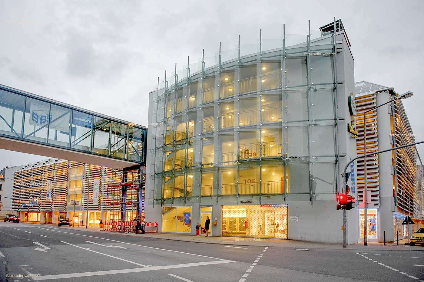 Architektur- und Immobilienfotografie Parkhaus Zuckerbergstrasse aufnahme von Yaph - Fotograf für Architektur in Trier.