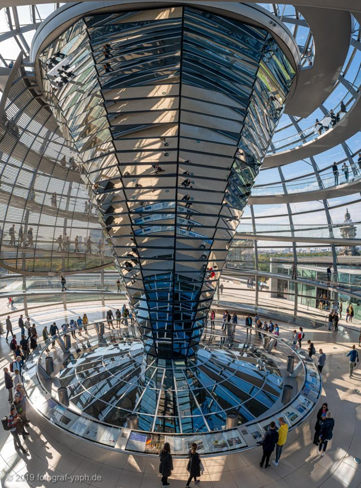 Bundestag Berlin Glas Kuppel, Glass dome of the Reichstag Fotograf Yaph, Yousef A.P. Hakimi