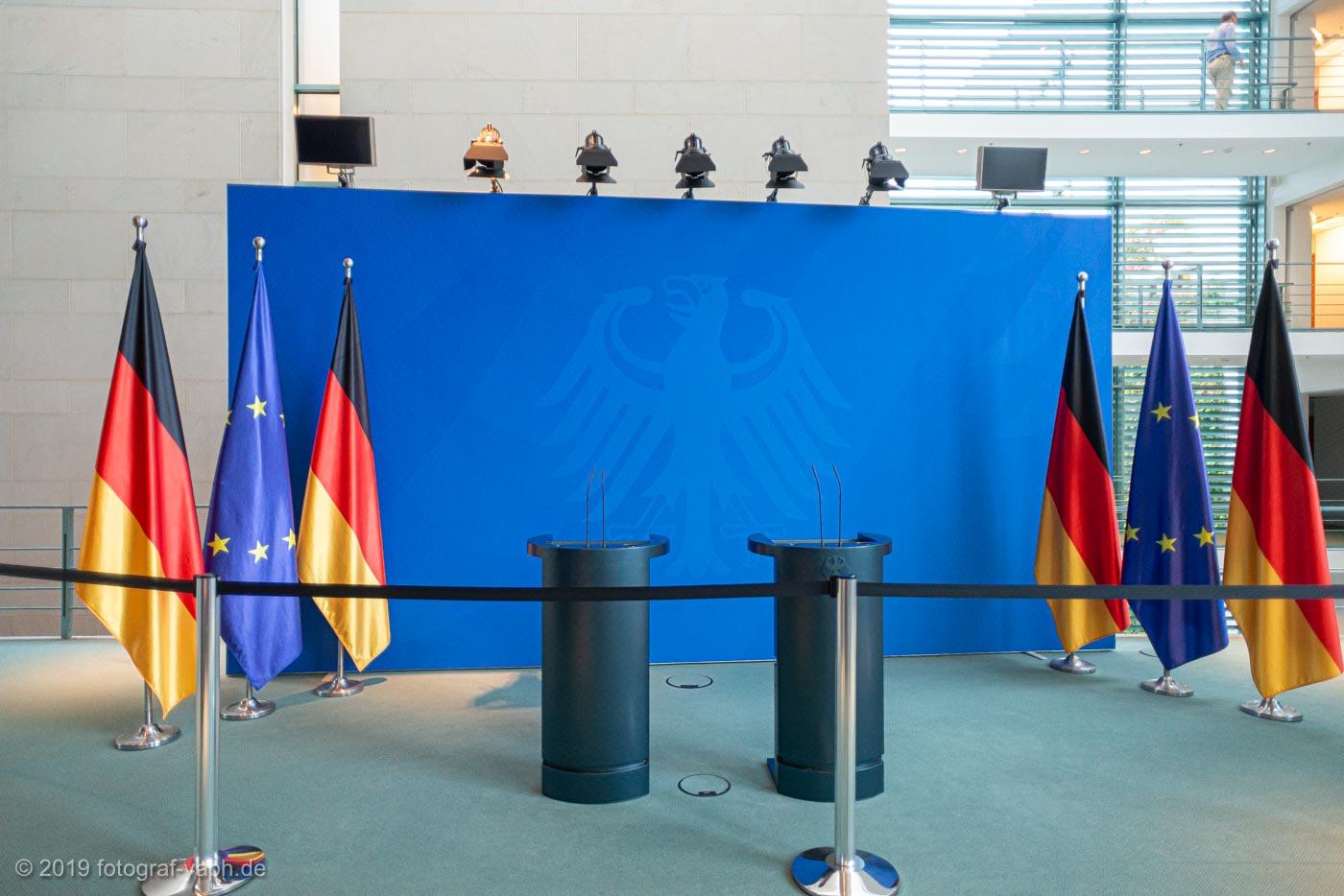 Pressewand im Bundeskanzleramt Berlin initiiert von Gerhard Schröder als Ergänzung zum großen Pressesaal