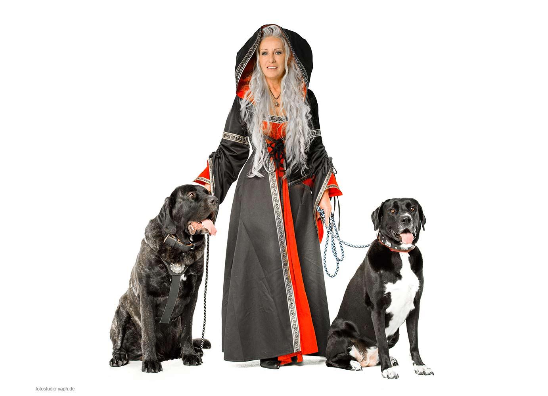 Fotoshooting mit Hunden bei Fotograf in Trier - Yaph mit Elke und ihren zwei Hunden