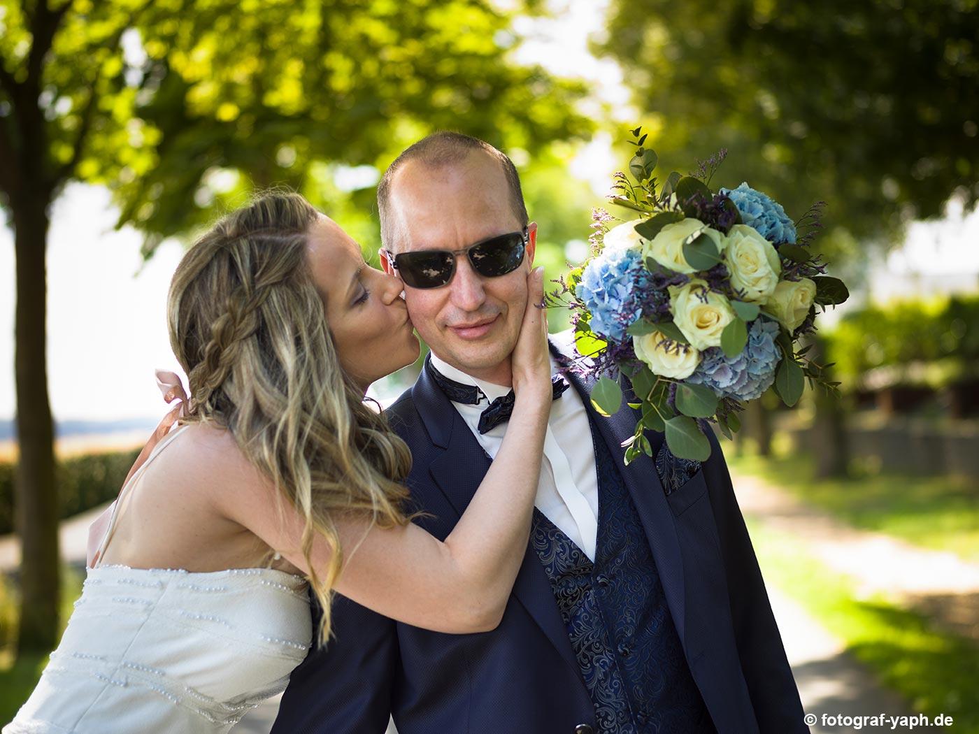 Fotograf für Hochzeit in Trier Petrisberg Yaph für Brautbilder von Petra & Herbert