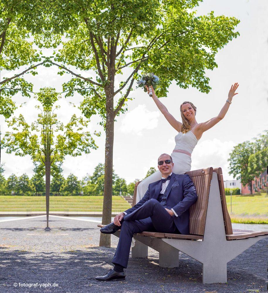 Brautpaarfotoshooting bei Hochzeitsfotograf in Trier Yaph