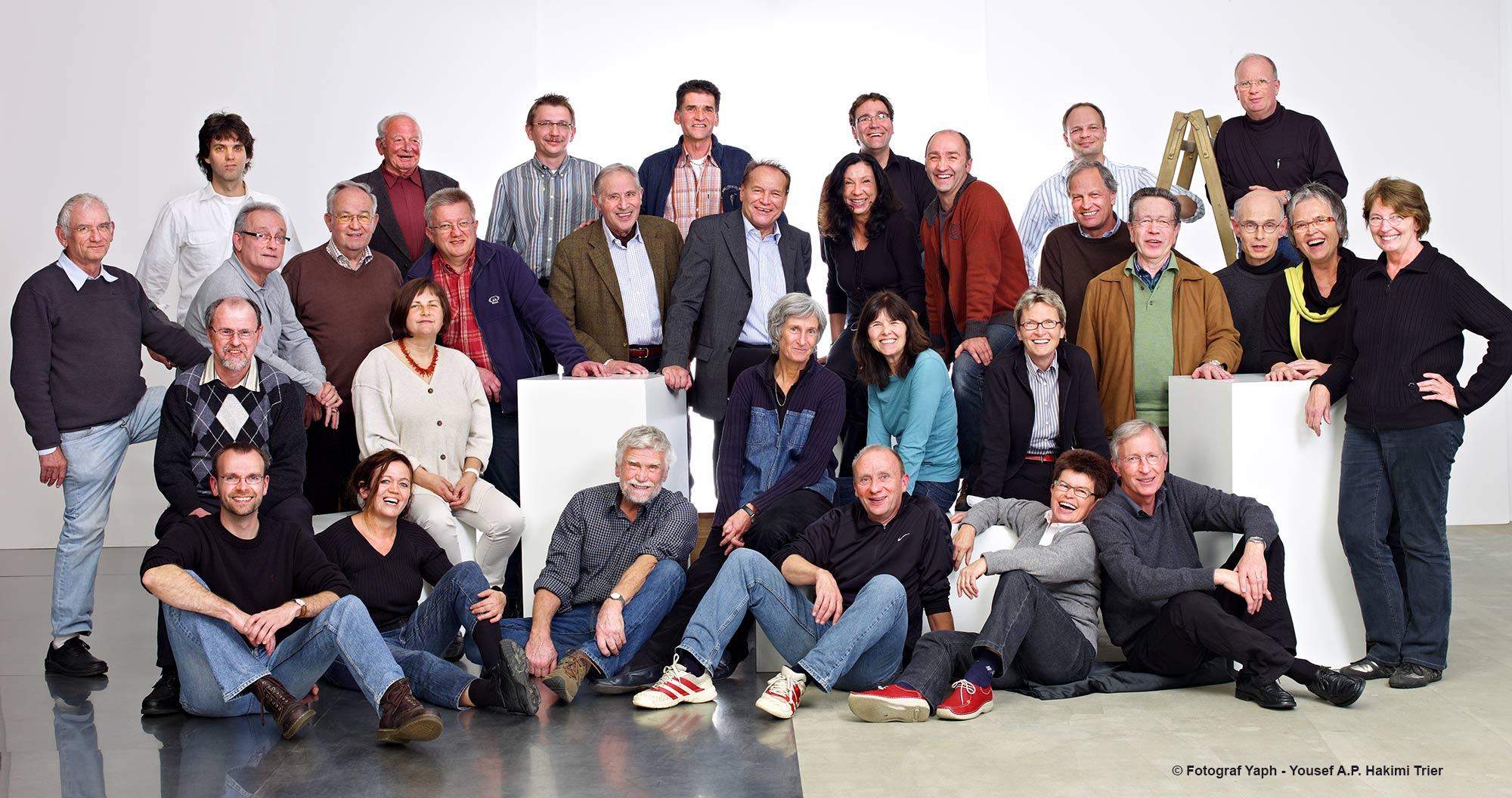 Gruppenfoto der fotografischen Gesellschaft Trier aufgenommen im Fotostudio Yaph auf dem Petrisberg