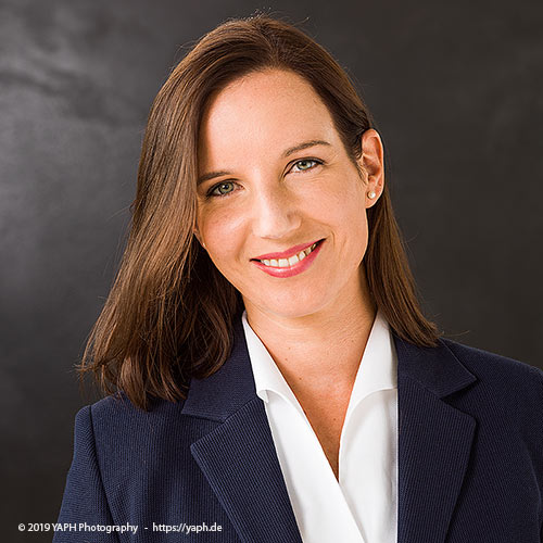 Businessportrait Cornelia Fuchs bei Fotograf Trier - Yaph