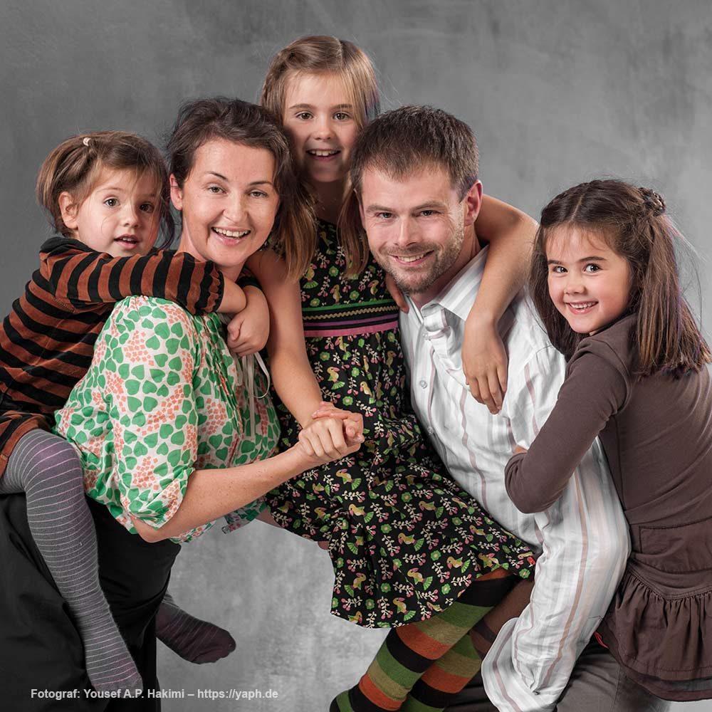 Ein Bild mit allen Familienmitgliedern bei Yaph Fotograf Trier