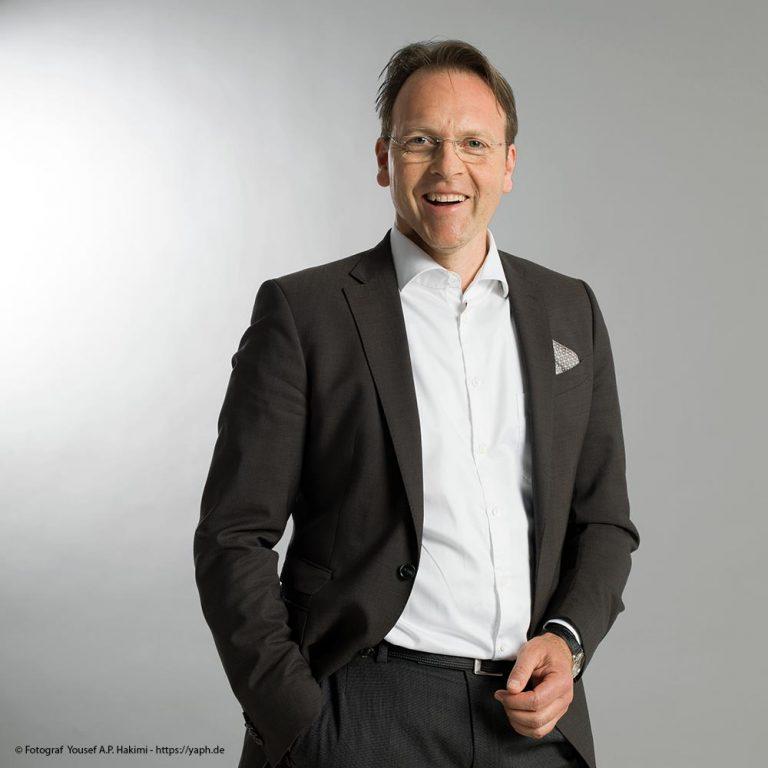 Fotostudio Yaph in Trier Bewerbungsfotos und Businessportrait Olaf Gehrels