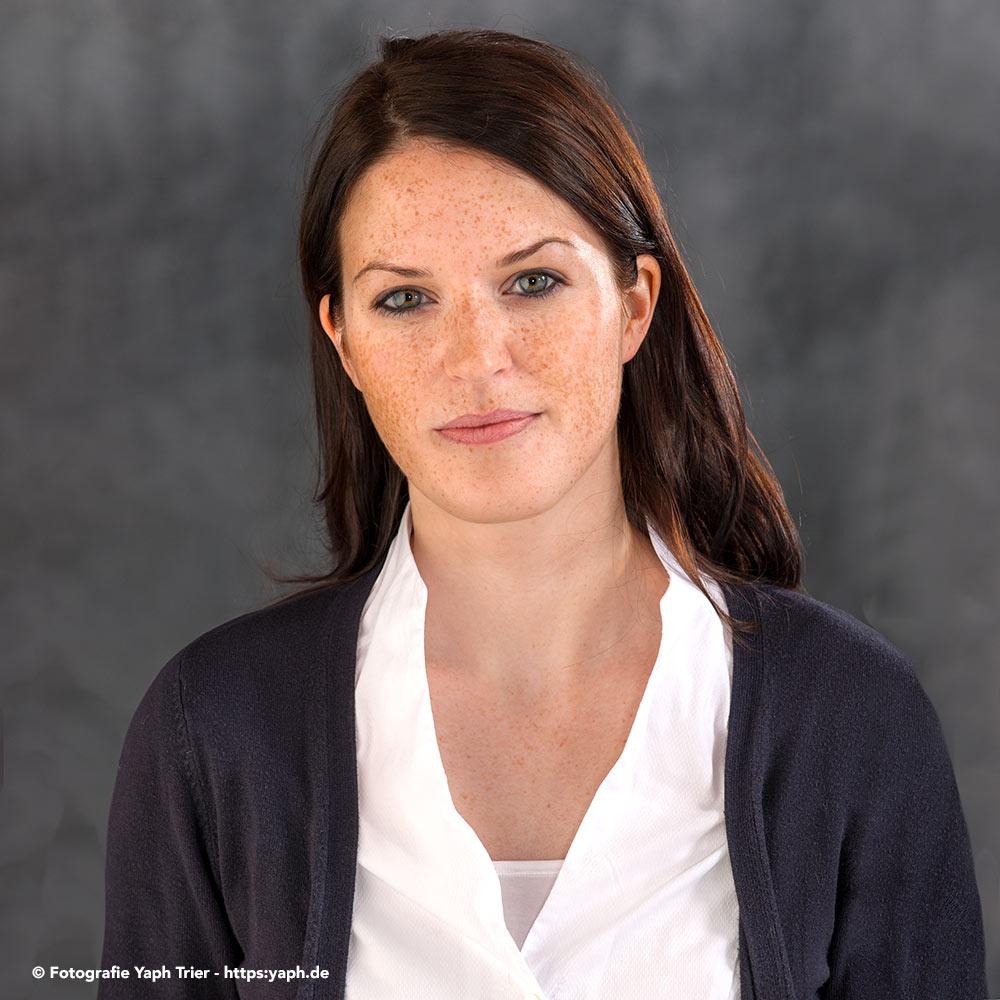 Bewerbunggsfotos und Business Portraits in Trier bei Fotograf Yaph