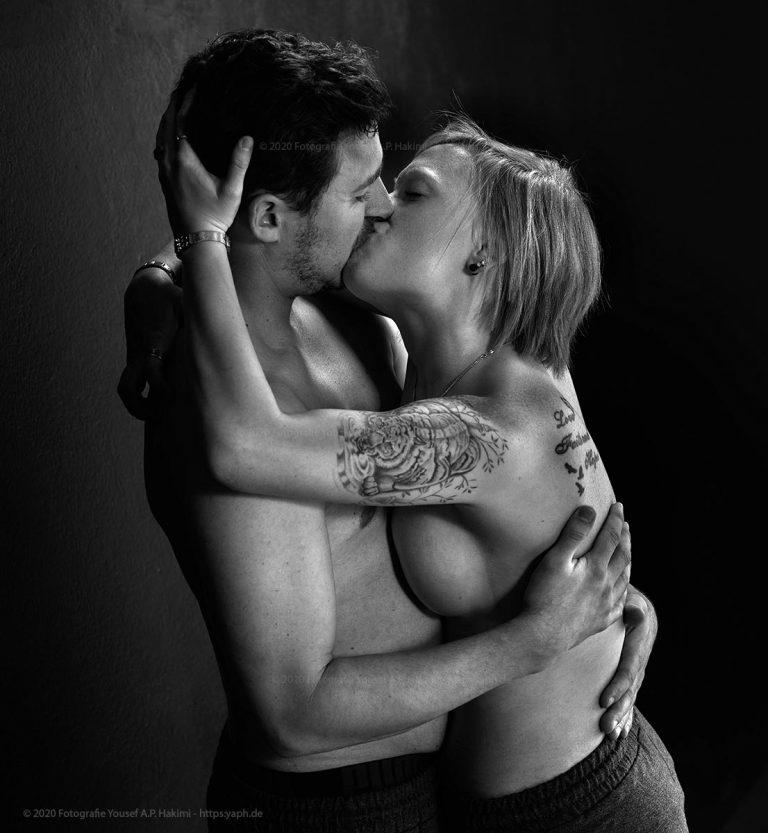 Erotisches Paarfotoshooting Kira und Thomas bei Yaph - Fotograf Trier.