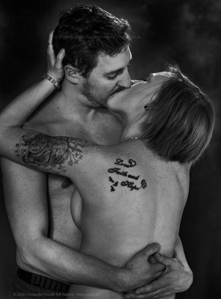 Erotisches Partnerfotoshooting Kira und Thomas im Fotostudio in Trier - Yaph.