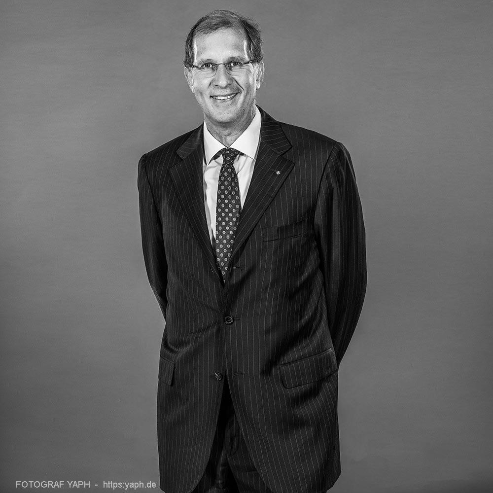 Dr Ulrich Rass Trier Porträt bei Fotograf Yaph