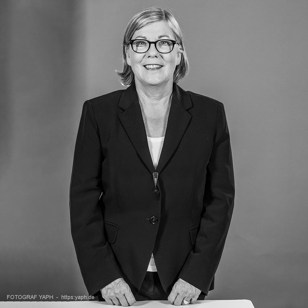 Edith Lücke Trier Porträt bei Fotograf Yaph