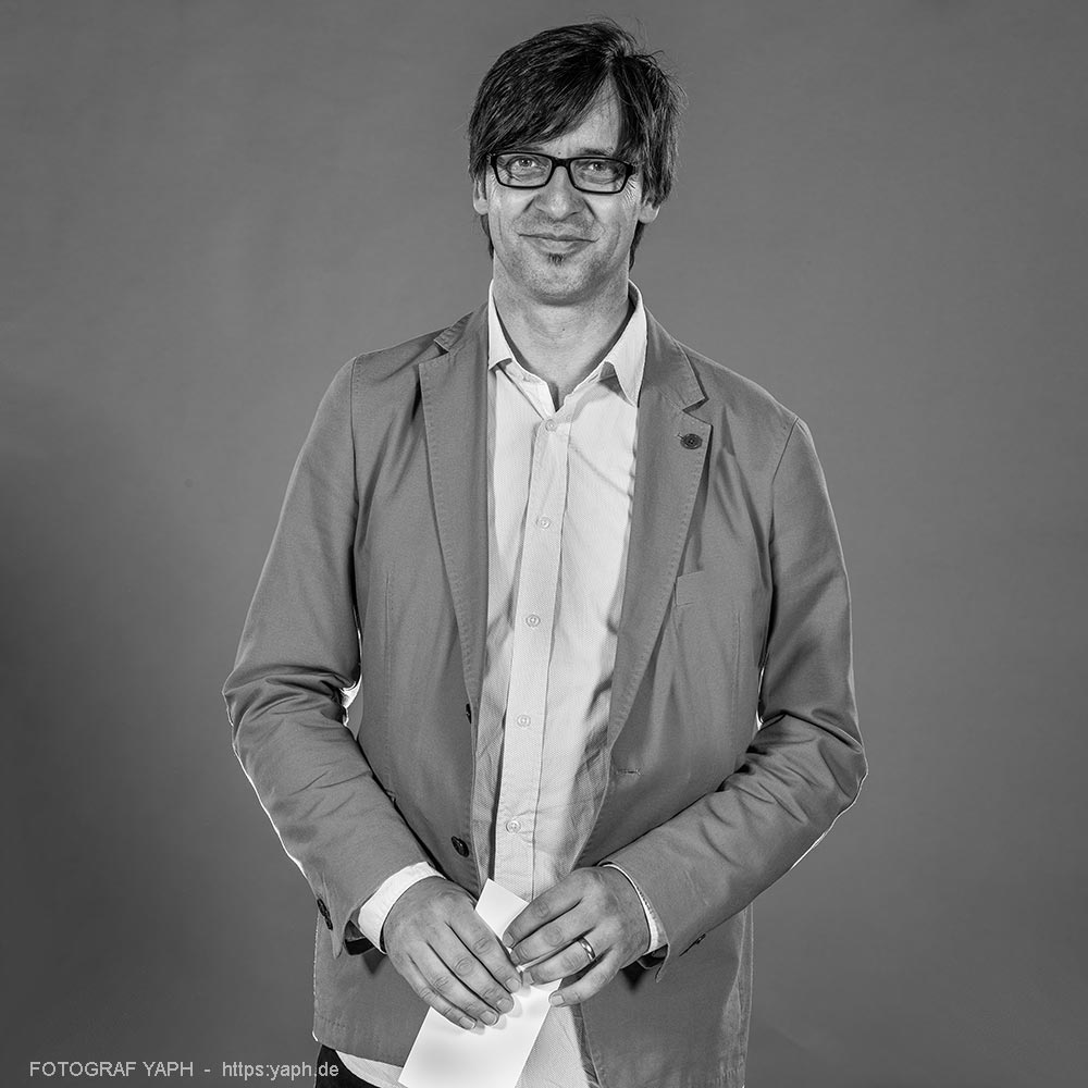 Harald Kirsch Portrait bei Fotograf Yaph, Yousef Hakimi Trier
