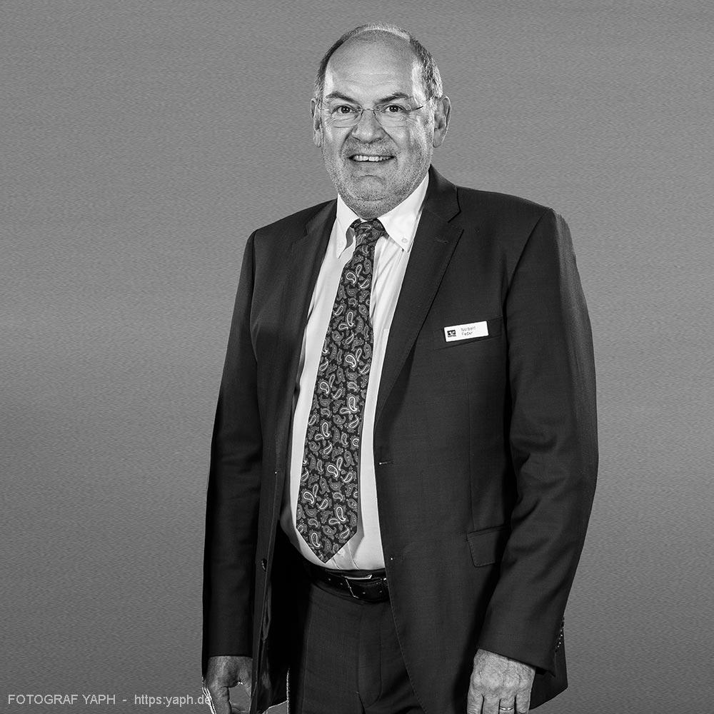 Vorsitz des Aufsichtsrates Volksbank Trier Rechtsanwalt Norbert Feder- Porträt bei Fotograf Yaph