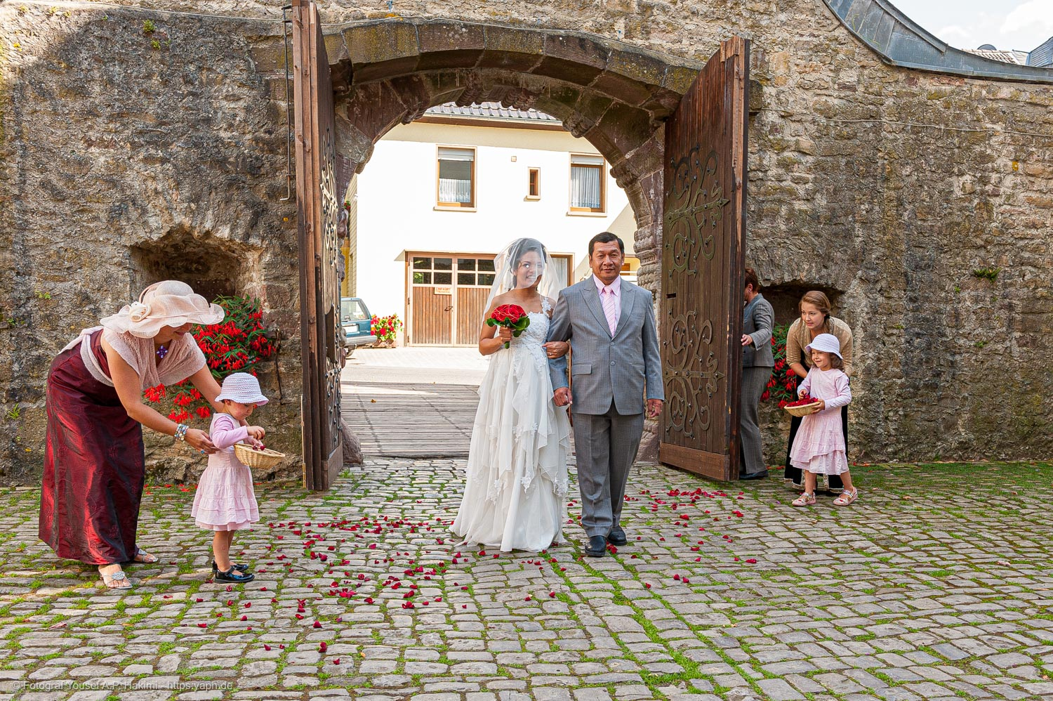 wedding reportage by Yaph photographer in Trier