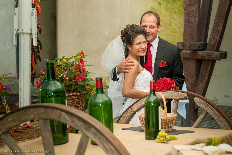 Hochzeitsfotoshooting mit dem Brautpaar nach der Standesamtlichen Trauung