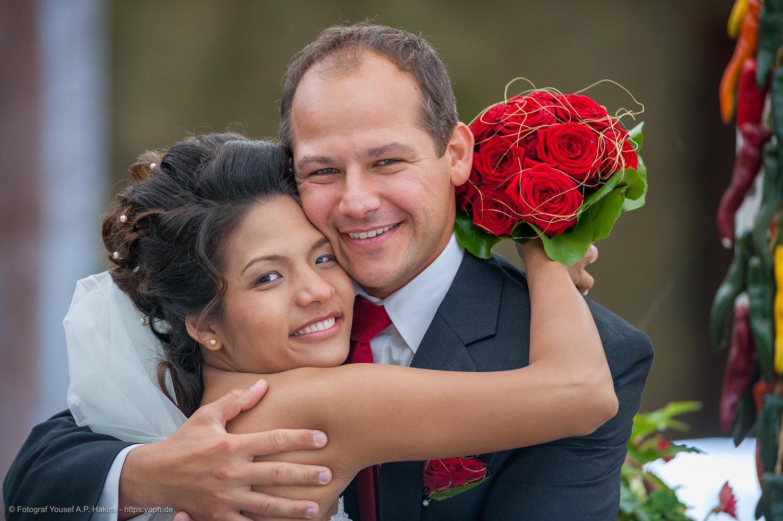 Fotos vom Brautpaar für Danksagungskarten und Fotobuch