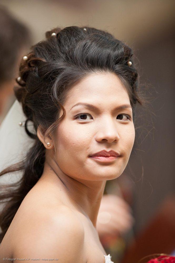 Beauty Porträts der Braut bei der Hochzeitsreportage von Fotostudio Yaph