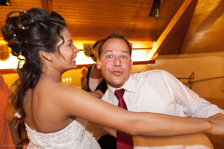 Fotos von der Hochzeitsparty sind als nicht gestellte Bilder besonders zauberhaft