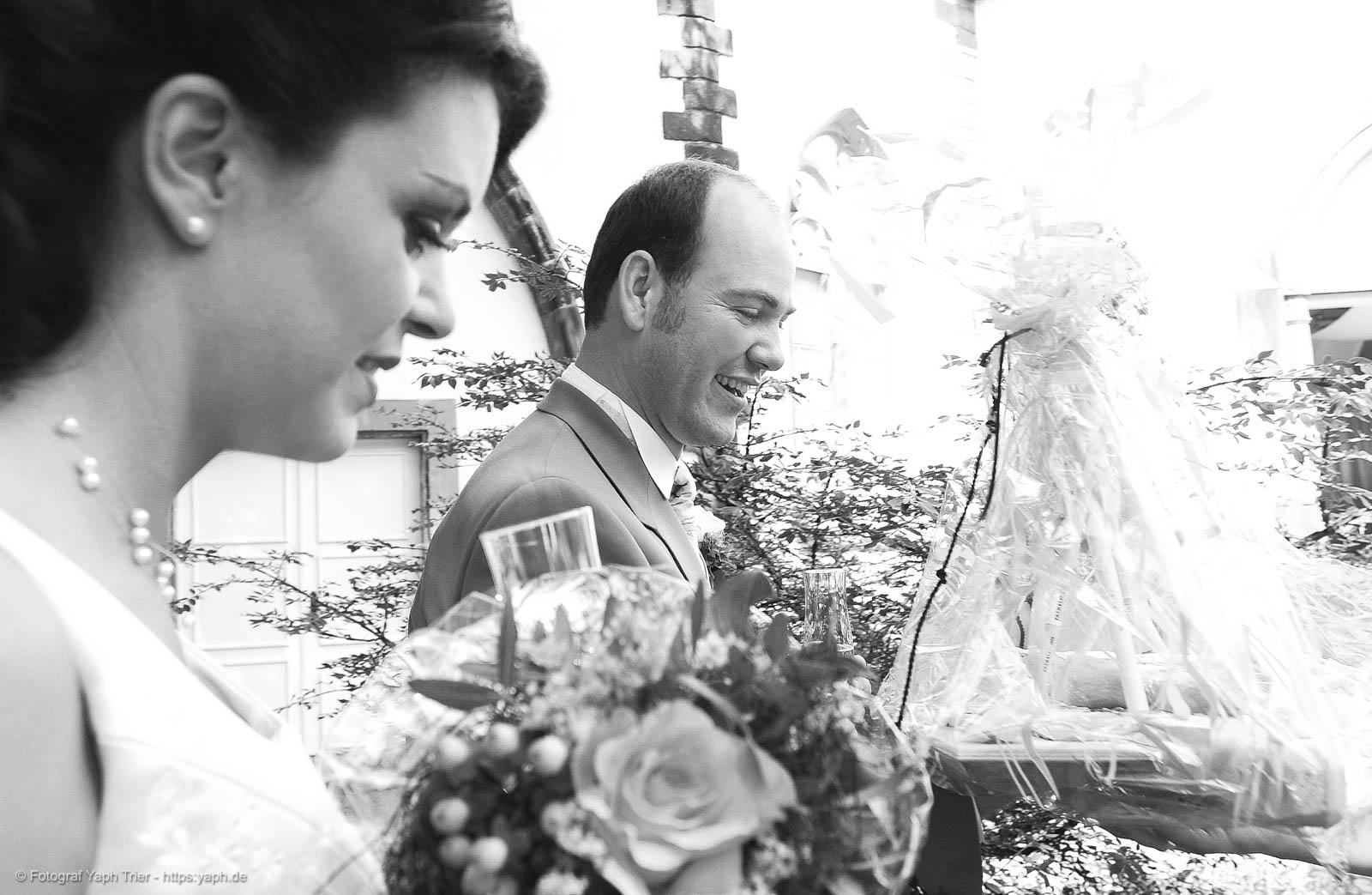 Brautpaarfotografie und Hochzeitsfotos Mireille-Marco bei Fotograf Trier - Yaph