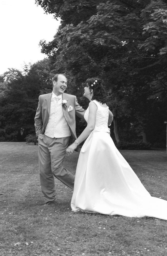 Brautpaarfotos und Hochzeitsfotos Mireille-Marco bei Fotograf Trier - Yaph