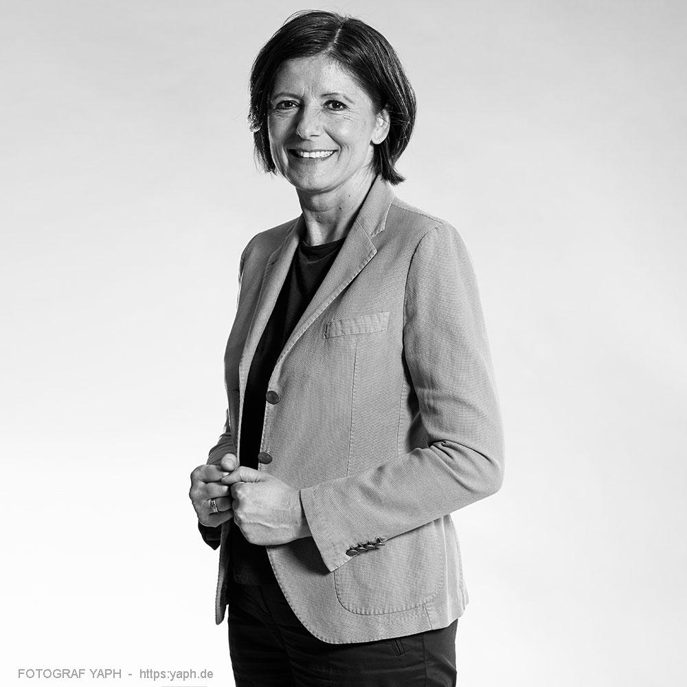 Malu Dreyer Ministerpräsidentin des Landes Rheinland-Pfalz - Porträt bei Fotograf Yaph, Yousef Hakimi