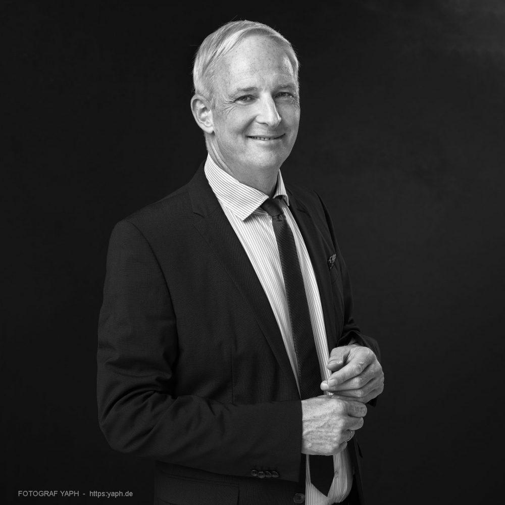 Oberbürgermeister der Stadt Trier Wolfram Leibe - Porträt bei Fotograf Yaph - Yousef Hakimi