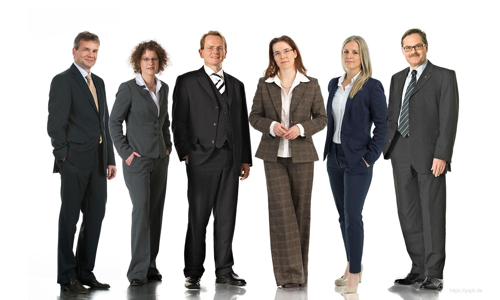 Business Portraits, Mitarbeiterportraits und das Teamfoto der Rechtsanwälte der Kanzlei Seibel und Partner bei Fotograf Bewerbungsfotos in Trier Yaph