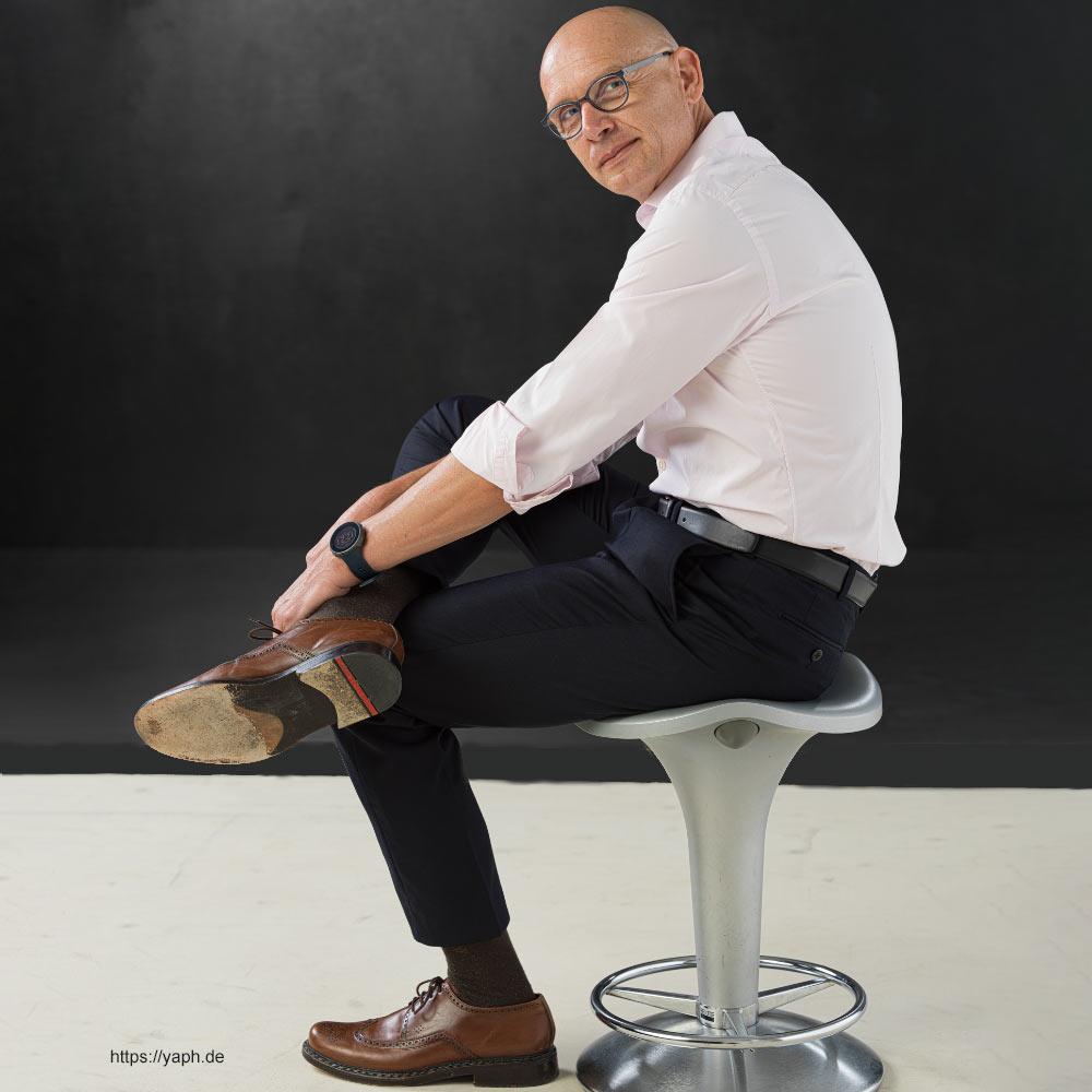 Oliver-Stuemer - Business portraits und Bewerbungsfotos bei Fotograf für Bewerbungsfoto in Trier - yaph.