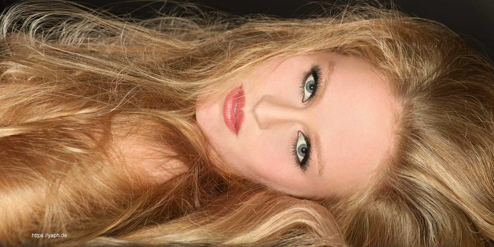 Fotograf Trier - Yaph bietet professionelle Beauty Fotoshooting an.