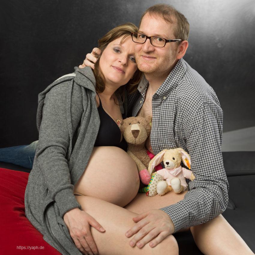 Schwangerschaftsfotos und Babybauchfotoshooting bei Fotograf Yaph