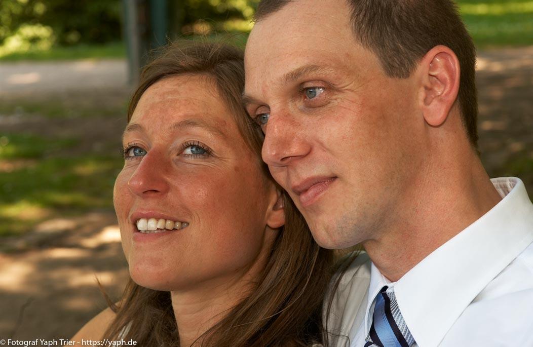 Brautpaar Fotoshooting Carolin & Thomas bei Hochzeitsfotograf Trier -Yaph
