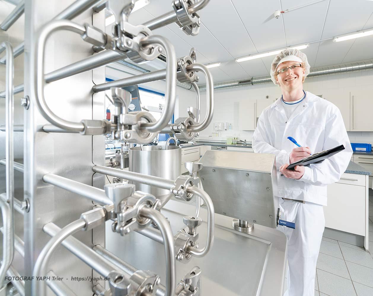 Laborantin Milchverarbeitung -Werbefotograf Trier Yaph