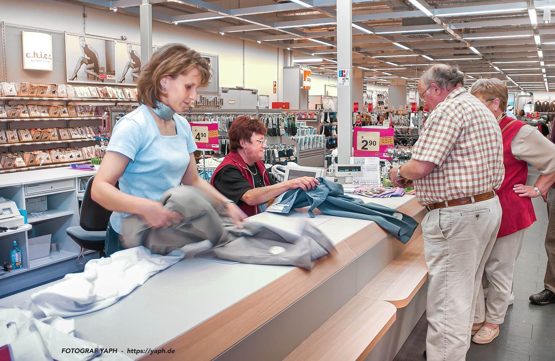 Einzelhandelskauffrauen - Menschen am Arbeitsplatz - Fotograf Trier - Yaph
