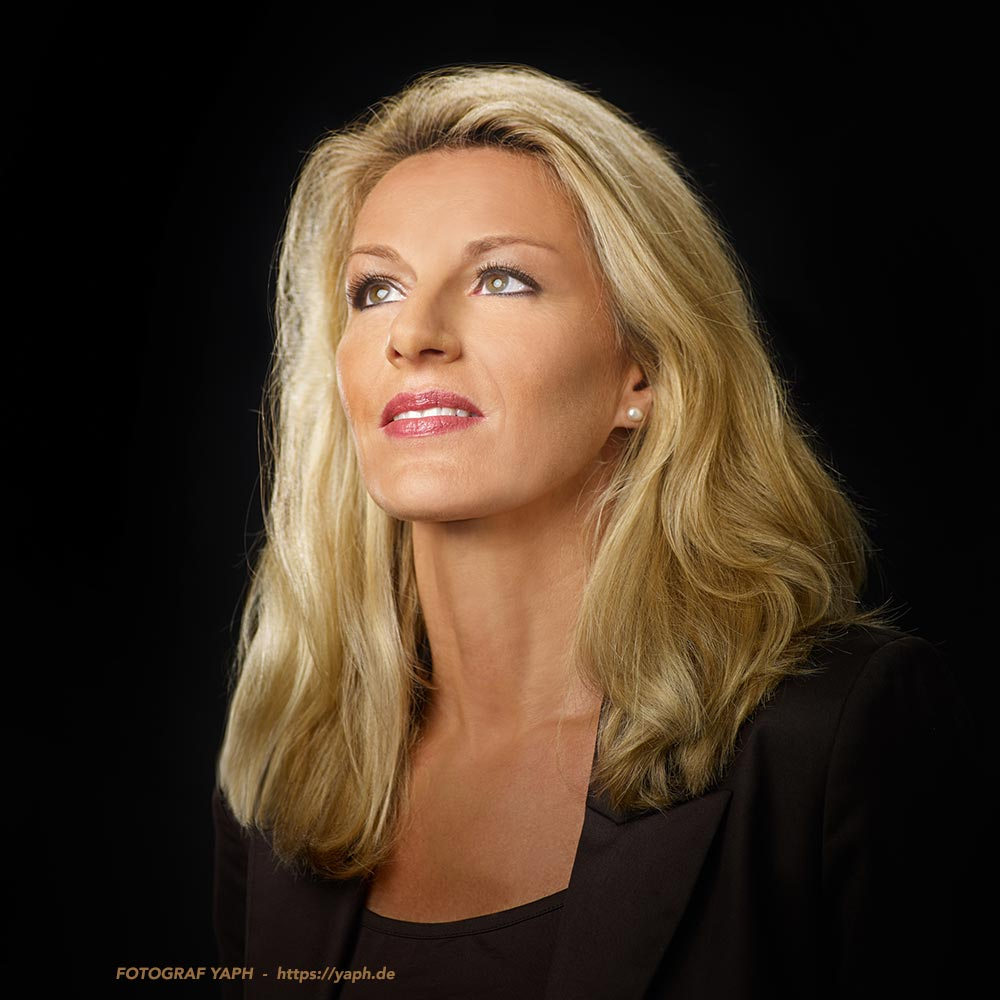 Birgit - Beauty Portrait Fotoshooting - Yaph - Fotograf in Trier
