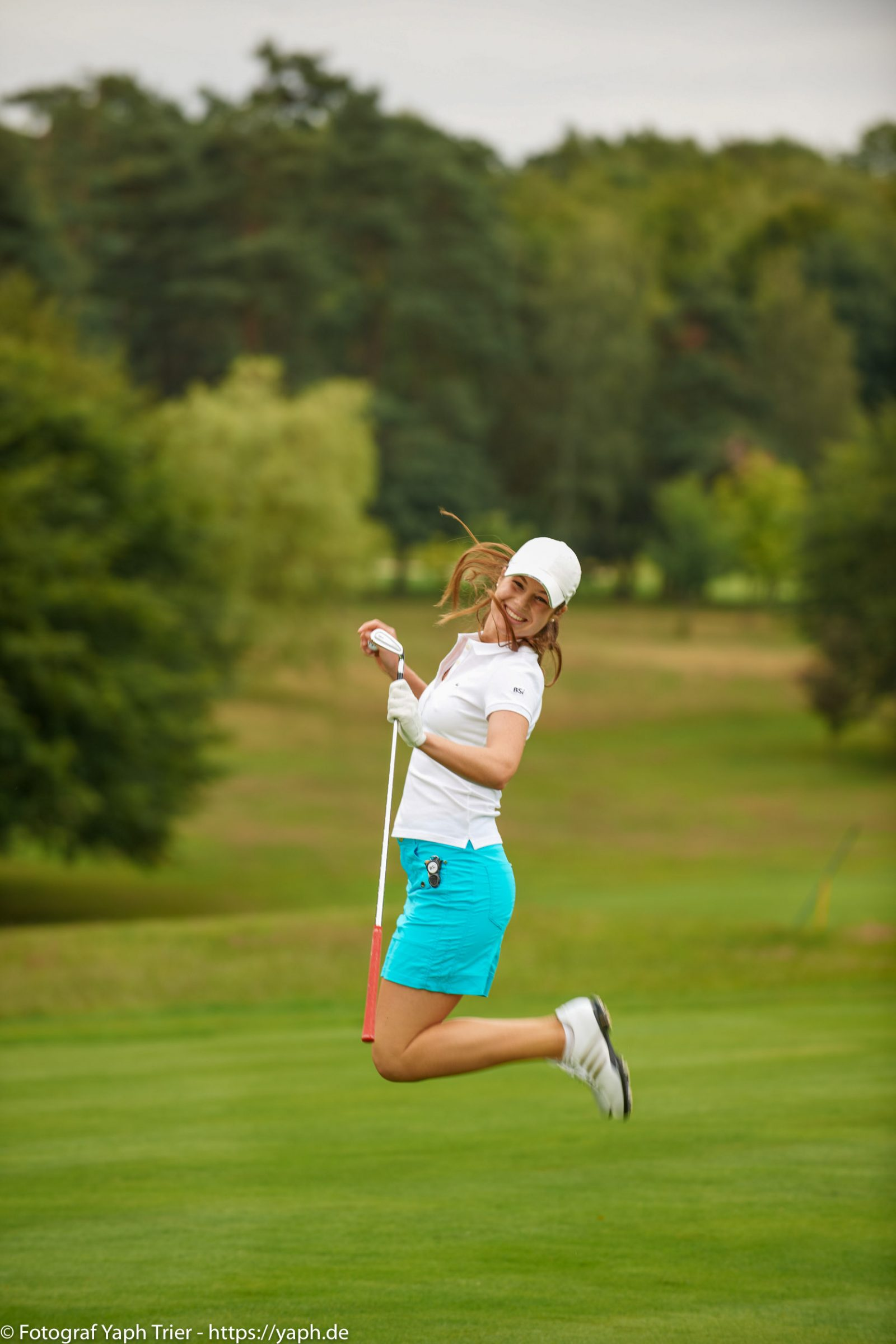 Liebelei Elena Lawrence - luxemburger Golfspielerin bei Fotograf Yaph - 28