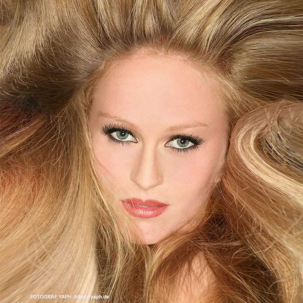 Beauty Porträt Fotografie in Trier - Fotograf Yaph - Simone