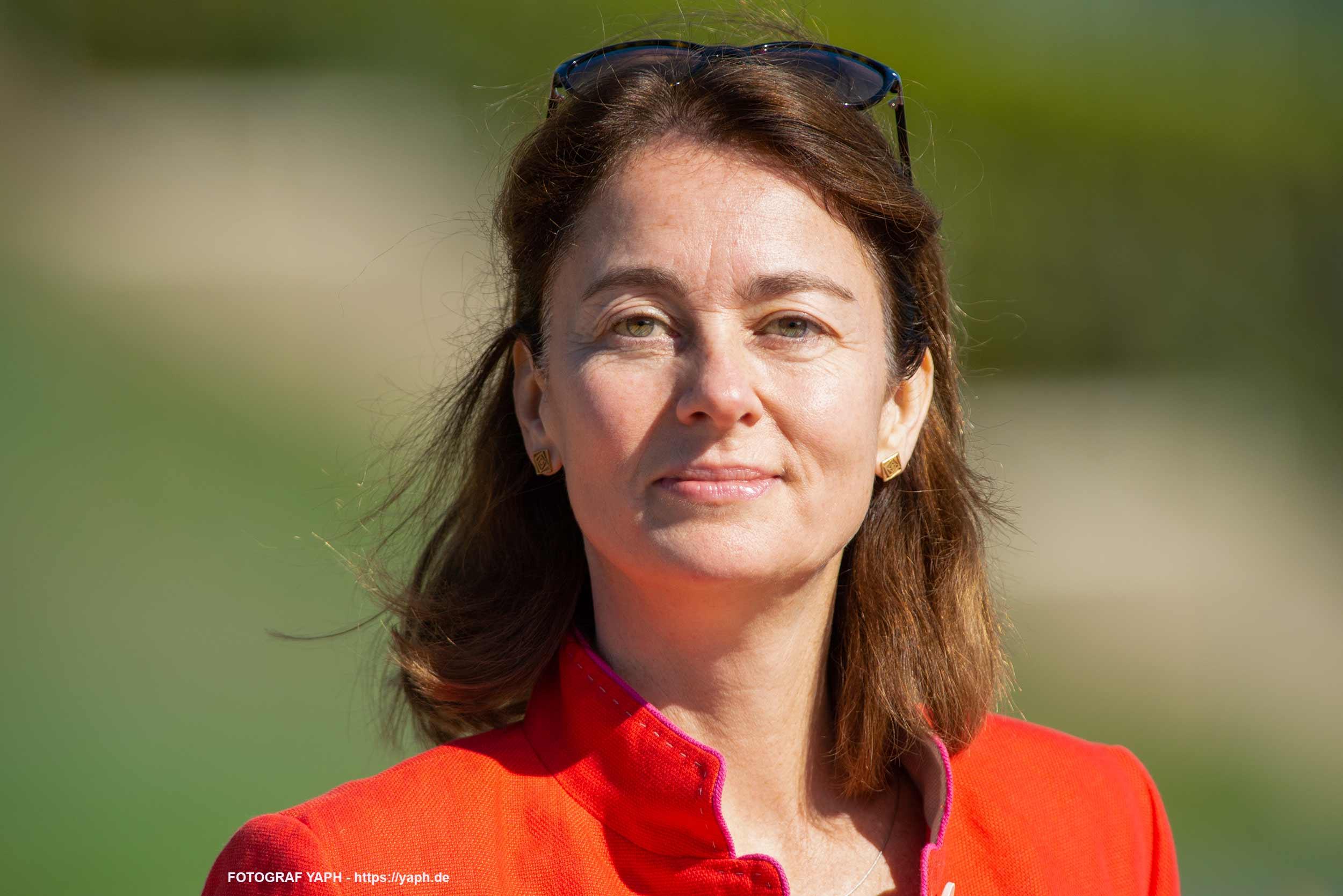 Katarina Barley, Abgeordnete des neunten Europäischen Parlaments und dessen Vizepräsidentin - Porträtfoto bei Yaph - Fotograf in Trier.